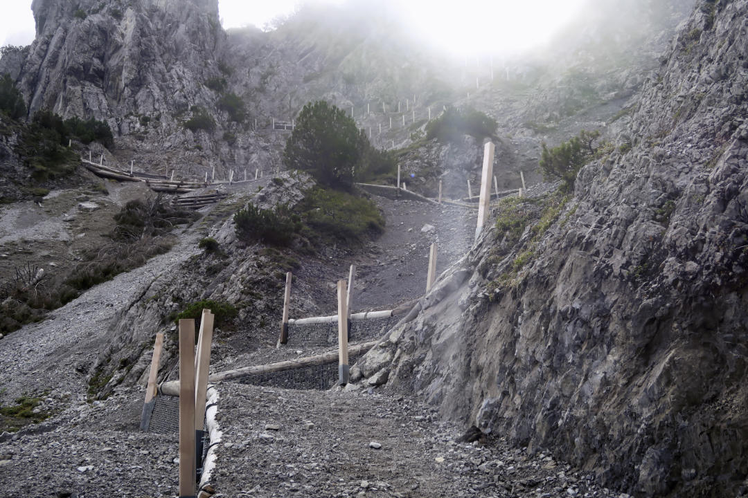 Kurviger Wanderweg zum Alpspitz in Liechtenstein